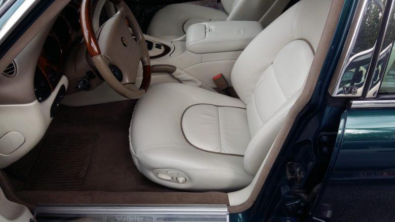der Daimler Jaguar nach der Arbeit