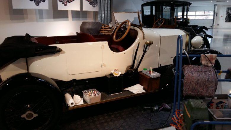 Arbeiten am Austro Daimler