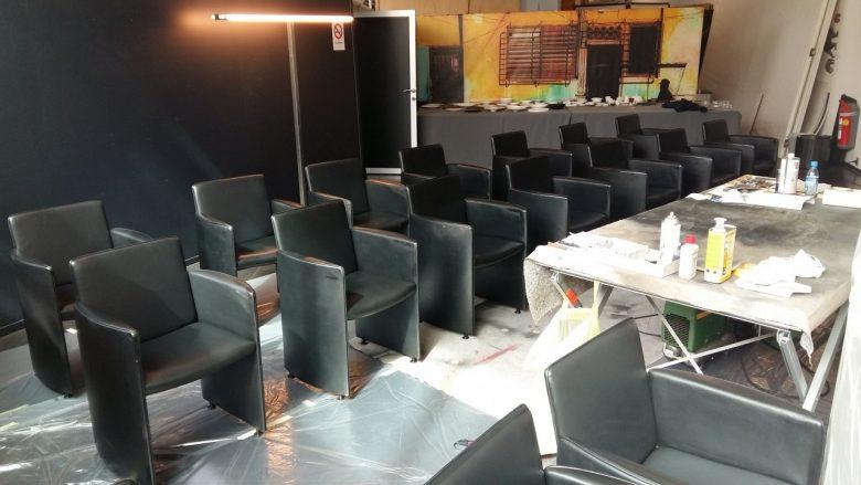 die Stühle werden alle aufbereitet
